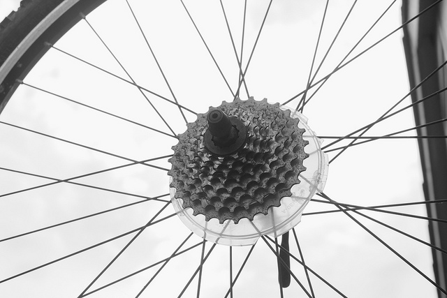 Cyclical View of the Bicycle Wheel - photo by http://www.flickr.com/photos/cogdog/